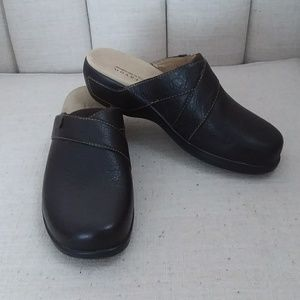 Aravon Shoes - Aravon mule clogs